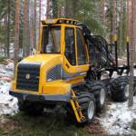 kokkuveotraktor FR28 harvendusraie materjali väljaveoks