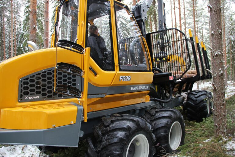 forwarder FR28 for profitable thinning